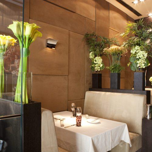 Custom Flower Designs For Restaurants